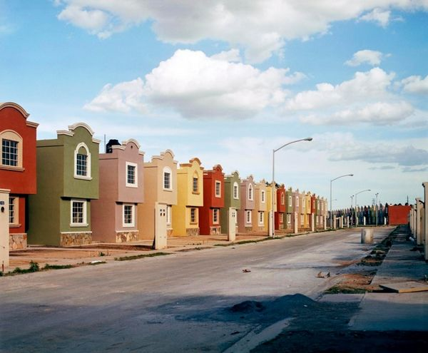 From-the-series-Suburbia-Mexico-by-Aleja